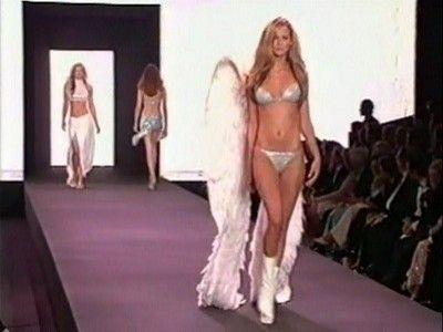 Victoria's Secret Fashion Show 2003