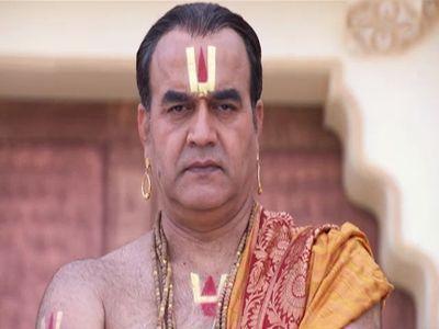 Shiva's Presence Attracts Sati's Attention
