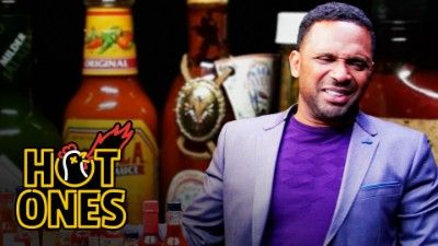 Mike Epps Gets Crushed by Spicy Wings