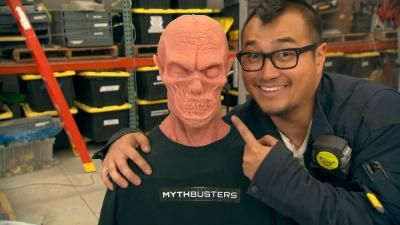 heads will roll - Mythbusters Christmas Tree