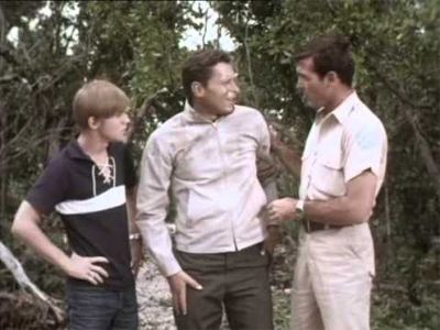 Flipper and the Fugitive (1)