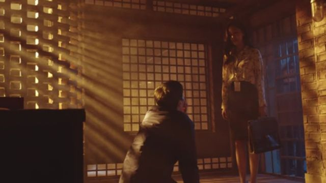 Yi Je Helping Seok Woo Get a Stay of Execution of the Sentence
