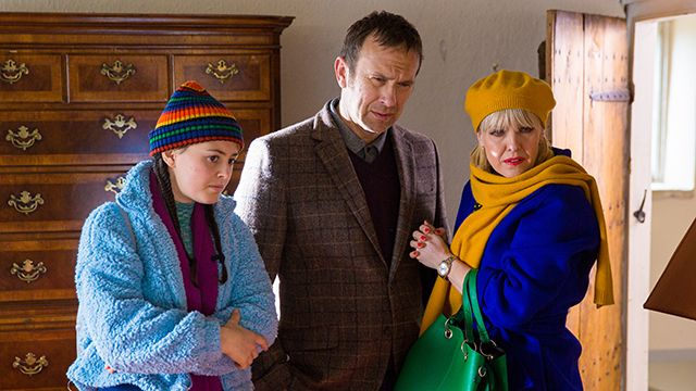 Agatha Raisin: As the Pig Turns (1)