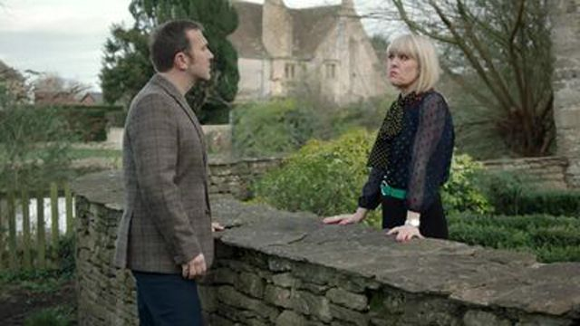 Agatha Raisin: As the Pig Turns (2)