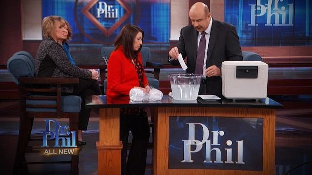 """A """"Dr. Phil"""" Catfish Investigation: What's Really Inside Lois' Safe?"""