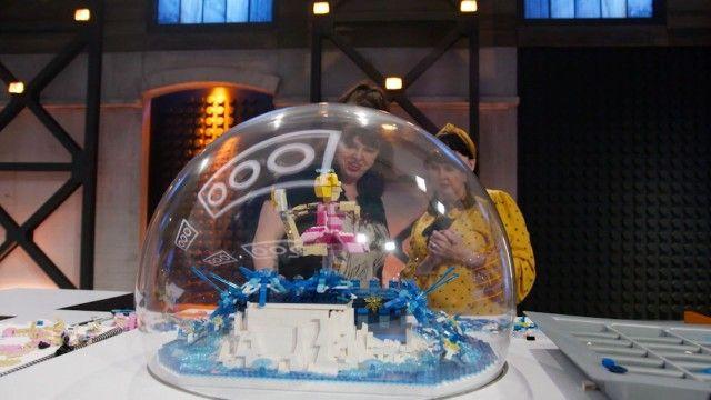 Snow Globe (Elimination)